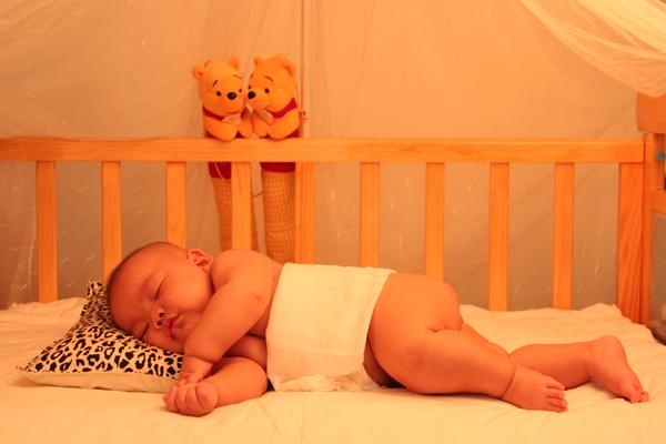 宝宝吹风扇的正确方法和注意事项