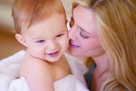 新生儿容易吐奶的原因