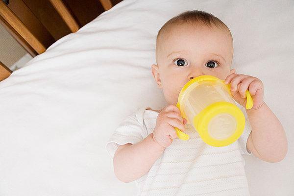 预防宝宝烂嘴角应从生活细节做起