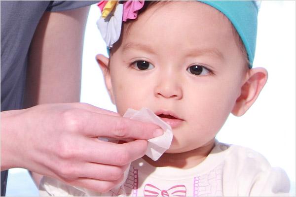 如何帮宝宝做口腔护理