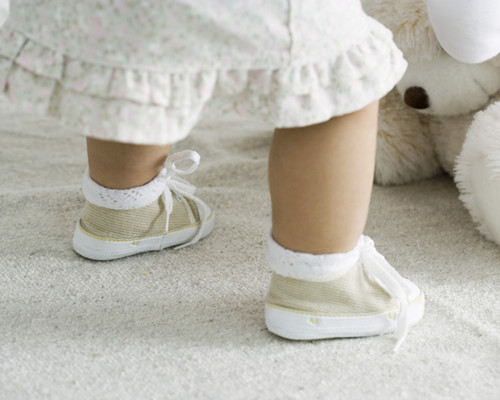 如何呵护宝宝的小脚丫