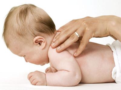 婴儿抚触有什么作用
