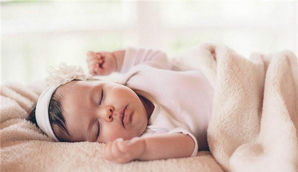 向宝宝采取正确的唤醒活动