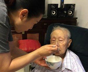 娱乐圈又传噩耗,刘若英父亲去世