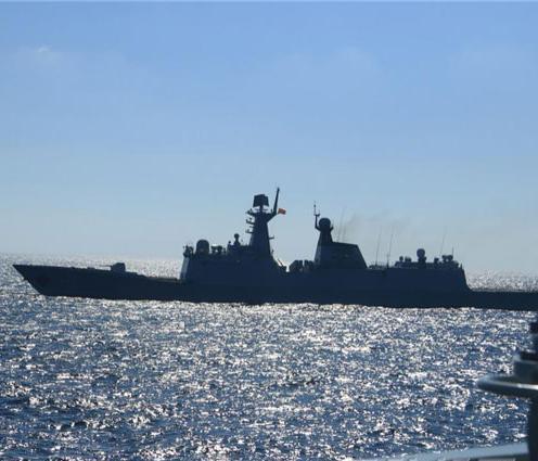 东海进行实际使用武器训练,规定区域不准驶入