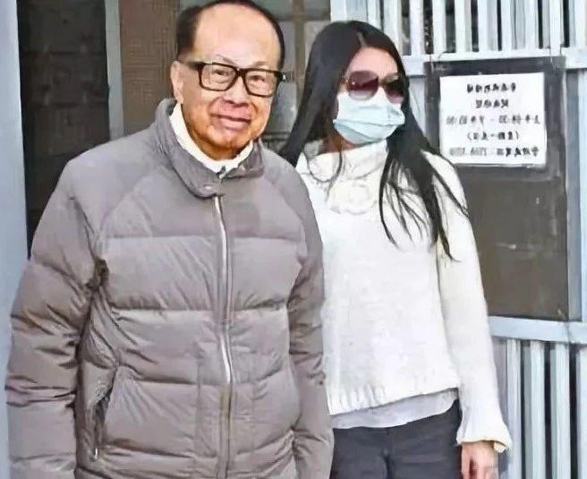 李嘉诚长孙女担任基金会董事,继承人出现了?